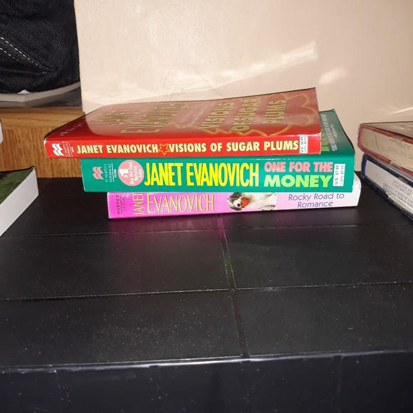 None Other - 3 PAPERBACK BOOKS BY JANET EVANOVICH